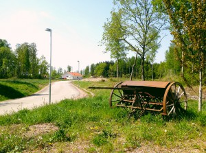 Den gamla tröskan vid infarten till Eriksbo Park